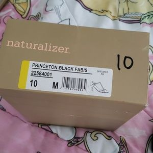 Naturalizer Shoes - Classy black heel